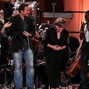 NLD/Haarlem/20121002- Opname AVRO's programma Maestro, deelnemers Brecht van Hulten, Kleine Viezerik, Catherine Keyl, Joep Sertons