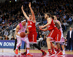 28.03.2016, Telekom Dome, Bonn, GER, Beko Basketball BL, Telekom Baskets Bonn vs FC Bayern Muenchen, 23. Runde, im Bild vl. Sean Mar shall (Bfonn, #9)Paul Zipser (Muenchen, #16) // during the Beko Basketball Bundes league 23th round match between Telekom Baskets Bonn and FC Bayern Munich at the Telekom Dome in Bonn, Germany on 2016/03/28. EXPA Pictures © 2016, PhotoCredit: EXPA/ Eibner-Pressefoto/ Horn<br /> <br /> *****ATTENTION - OUT of GER*****