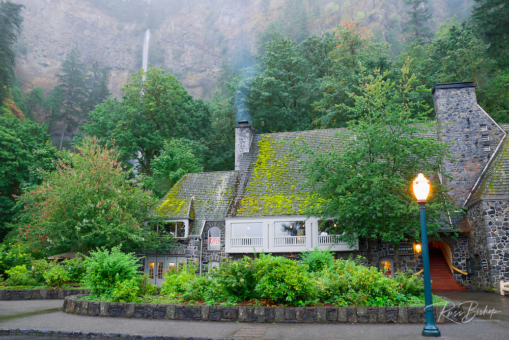 Multnomah Lodge and falls, Columbia River Gorge National Scenic Area, Oregon