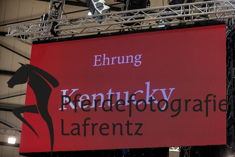 Kentucky<br /> Neumünster - Trakehner Hengstmarkt 2018<br /> Ehrung Elitehengst<br /> 20. Oktober 2018<br /> © www.sportfotos-lafrentz.de/Stefan Lafrentz