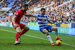 Hal Robson-Kanu of Reading keeps Shane Duffy of Blackburn Rovers off the ball - Mandatory byline: Jason Brown/JMP - 07966 386802 - 20/12/2015- FOOTBALL - Madejski Stadium - Reading, England - Reading v Blackburn Rovers - Sky Bet Championship