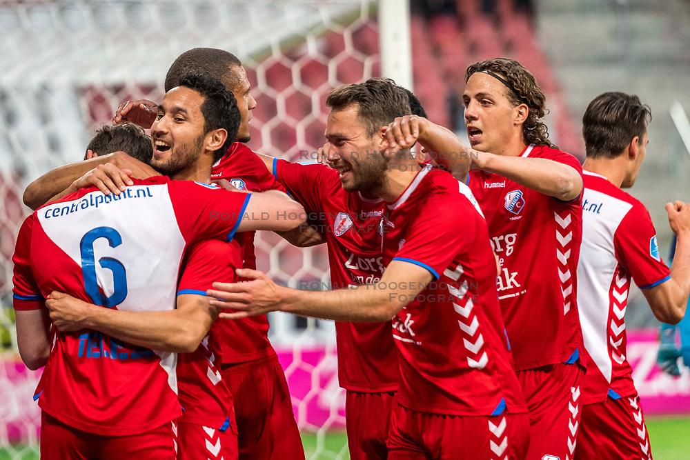 12-05-2018 NED: FC Utrecht - Heerenveen, Utrecht<br /> FC Utrecht win second match play off with 2-1 against Heerenveen and goes to the final play off / (L-R) Rico Strieder #6 of FC Utrecht score the 1-0, , Mark van der Maarel #2 of FC Utrecht, Sander van der Streek #22 of FC Utrecht, Giovanni Troupee #20 of FC Utrecht