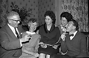 At the Cheshire Home, Shillelagh, Co. Wicklow, a variety concert featuring leading performers from Dublin was held for the entertainment of patients.<br /> Singer Marjorie Courtney prepares for a spot of community singing.<br /> 10.10.1963
