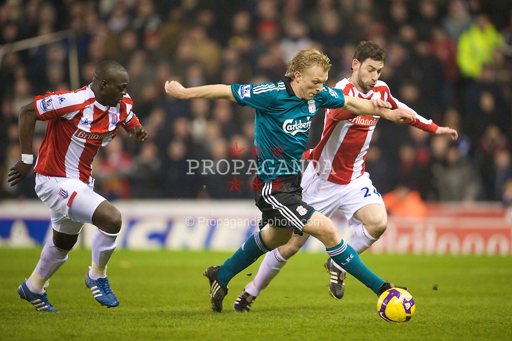STOKE-ON-TRENT, ENGLAND - Saturday, January 10, 2009: Liverpool's Dirk Kuyt in action against Stoke City during the Premiership match at the Britannia Stadium. (Photo by David Rawcliffe/Propaganda)