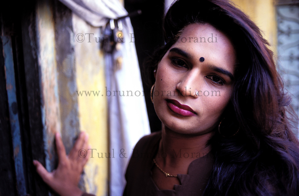 Pakistan - Hijra, les demi-femmes du Pakistan - Sonia, 27 ans ::Pakistan. Punjab province. Hijra, the half woman of Pakistan