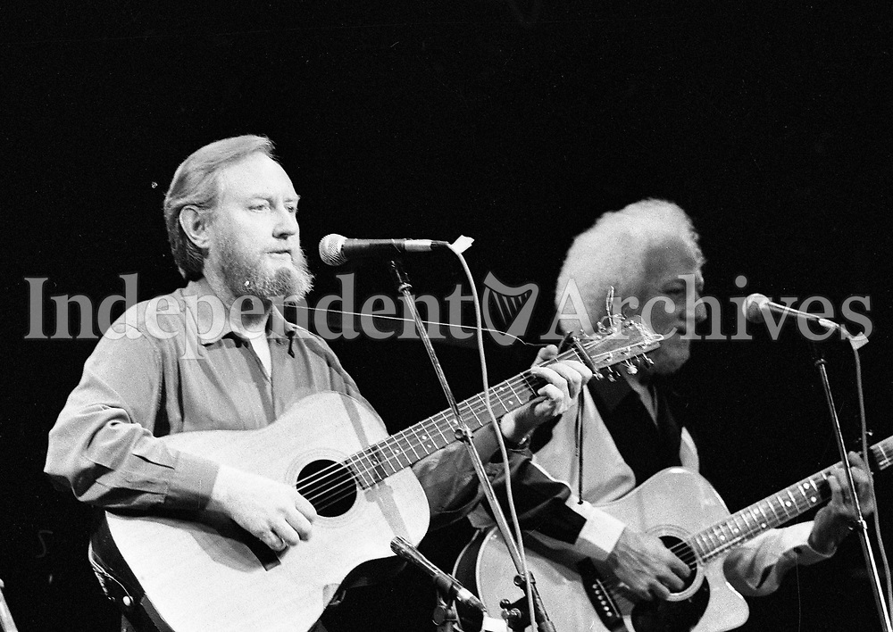 The Dubliners in Concert in the Olympia Theatre, Sean Cannon and Eamon Campbell, Dublin, circa August 1992 (Part of the Independent Newspapers Ireland/NLI Collection).