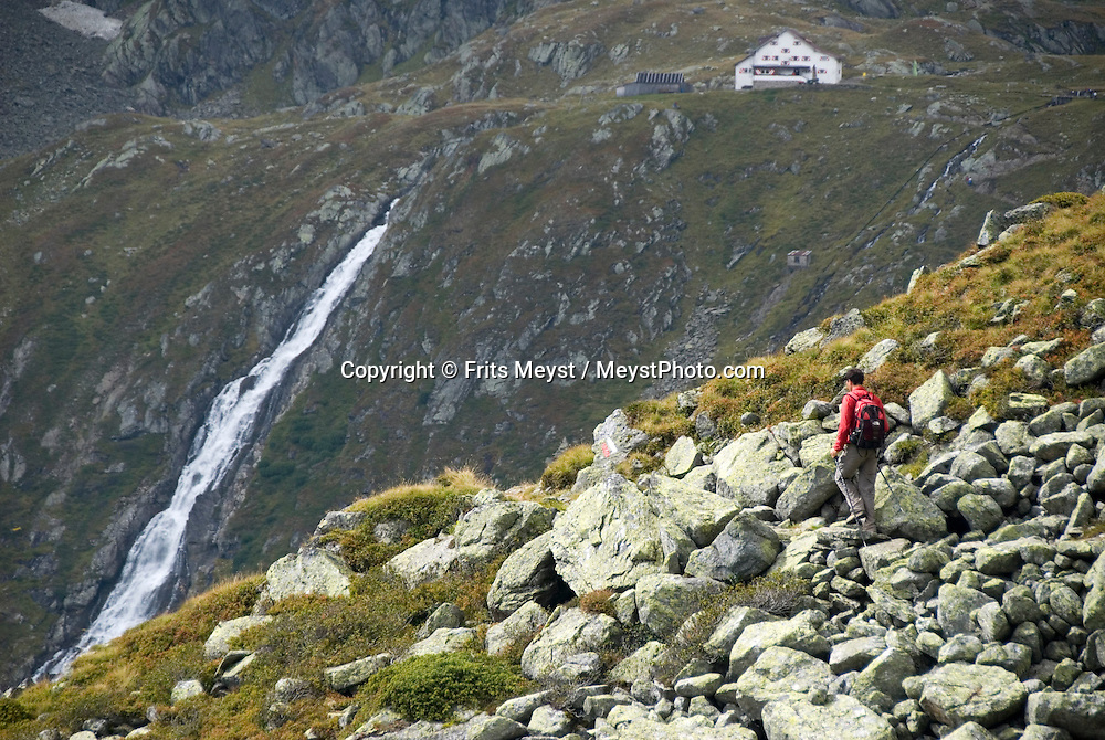 Neustift im Stubaital, Stubaier Hohenweg, Tirol, Austria, September 2008. The Neue Regensburger hutte comes into view.  Hiking the Stubai High Trail from hut to hut in the southern Alps, we clear a mountain pass on a daily basis. Photo by Frits Meyst/Adventure4ever.com.
