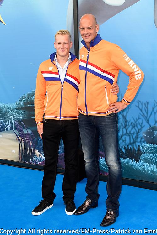 Premiere Disney Animatiefilm Finding Dory in Theater Amsterdam.<br /> <br /> Op de foto:   Marcel Wouda en Ferry Weertman