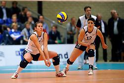 08-12-2010 VOLLEYBAL: SLIEDRECHT SPORT - SPARKASSE HARTBERG: SLIEDRECHT<br /> Sliedrecht Sport wint het eerste duel in de Challenge Cup tegen Hartberg met 3-0 / Fanny Lafeber en Shannon Gerhardt<br /> &copy;2010-WWW.FOTOHOOGENDOORN.NL