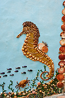 France, Vendée (85), Les Sables-d'Olonne, quartier de l'Ile Penotte, fresque de coquillages, oeuvre de l'artiste Dan Arnaud-Aubin dite la Dâme aux Coquillages // France, Vendée, Les Sables-d'Olonne, Ile Penotte area, Dan Arnaud-Aubin artist work