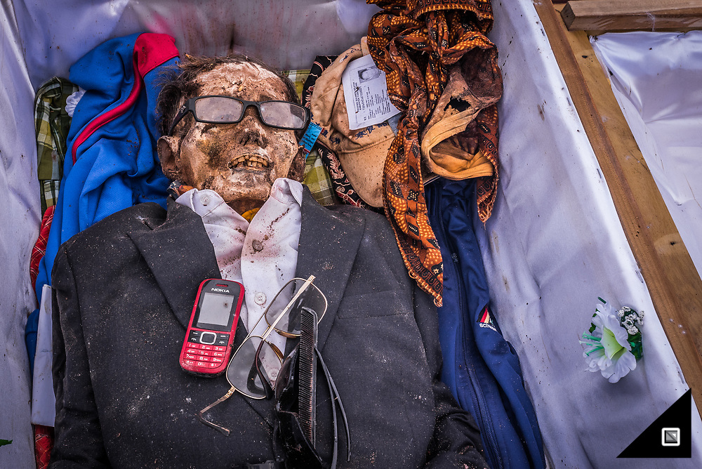 Indonesia - Sulawesi - Tana Toraja. Graveyard in Panggala, Rindigallo.<br />