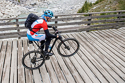 13-09-2017 FRA: BvdGF Tour du Mont Blanc day 4, Trient<br /> Van Chamonix naar Trient / Jeroen