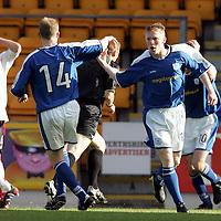 St Johnstone v Falkirk....18.09.04<br />Mark Baxter celebrates pulling a goal back<br /><br />Picture by Graeme Hart.<br />Copyright Perthshire Picture Agency<br />Tel: 01738 623350  Mobile: 07990 594431