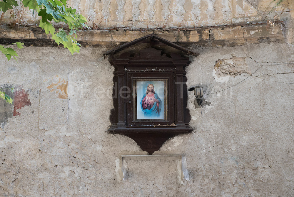 Like in the whole northwestern part of the Mediterranean, Palermo, despite domination and cosmopolitanism, is a Catholic city, in the old town there are often small votive niches