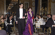 Alexis Tennessee Hamilton and her escort, Cesar Darcy. . Crillon Debutantes Ball 2002. Paris. 7 December 2002. © Copyright Photograph by Dafydd Jones 66 Stockwell Park Rd. London SW9 0DA Tel 020 7733 0108 www.dafjones.com