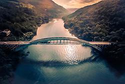 A Ponte Ernesto Dornelles, mais conhecida como Ponte do Rio das Antas, é uma obra que chama muita atenção pela beleza e grandiosidade. Teve sua construção iniciada em 1942 e está situada na RST-470 entre Bento Gonçalves e Veranópolis, no Estado do Rio Grande do Sul, Brasil. FOTO: Jefferson Bernardes/ Agência Preview