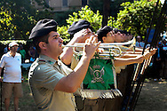 Roma 19 Luglio 2010..67.mo anniversario delle incursioni aeree americane nel quartiere San Lorenzo a Roma, commemorate le 1.674 vittime che le bombe alleate fecero solo a San Lorenzo  durante la II guerra mondiale. Picchetto militare.Rome July 19 th 2010 .67.mo anniversary of the American aerial raids in the district  San Lorenzo in Rome, commemorates the 1.674 victims that the allied bombs did only to San Lorenzo during the II World War.