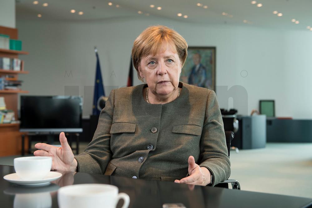 13 SEP 2017, BERLIN/GERMANY:<br /> Angela Merkel, CDU, Bundeskanzlerin, waehrend einem Interview, in Ihrem Buero, Bundeskanzlerin<br /> IMAGE: 20170917-01-012<br /> KEYWORDS: Büro