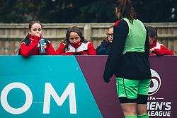 Bristol City Women fans - Rogan Thomson/JMP - 06/11/2016 - FOOTBALL - The Northcourt Stadium - Abingdon-on-Thames, England - Oxford United Women v Bristol City Women - FA Women's Super League 2.