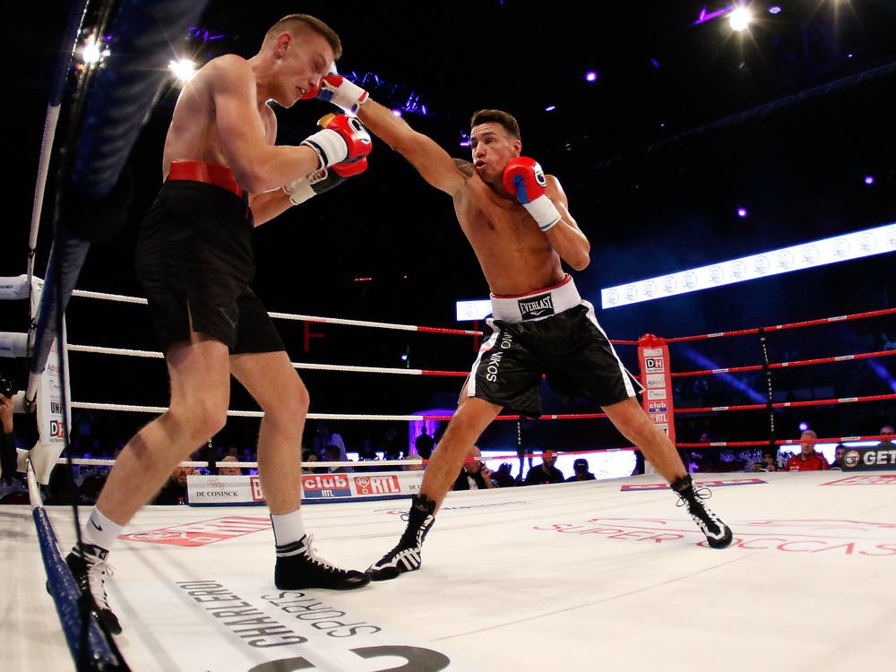 Combat Toma Gaetano (ceinture blanche) – Mislav Milardovic   lors du Gala de boxe Round 5 qui s'est déroulé à Charleroi (Spiroudome) le 16/12/2017.