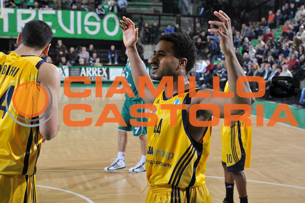 DESCRIZIONE : Treviso Lega A 2010-11 Eurocup Qualifyng Round Last 16 BWIN Benetton Treviso Alba Berlin<br /> GIOCATORE : Bryce taylor<br /> SQUADRA : BWIN Benetton Treviso Alba Berlin<br /> EVENTO : Campionato Lega A 2010-2011 <br /> GARA : BWIN Benetton Treviso Alba Berlin<br /> DATA : 18/01/2011<br /> CATEGORIA : Delusione<br /> SPORT : Pallacanestro <br /> AUTORE : Agenzia Ciamillo-Castoria/M.Gregolin<br /> Galleria : Lega Basket A 2010-2011 <br /> Fotonotizia : Treviso Lega A 2010-11 Eurocup Qualifyng Round Last 16 BWIN Benetton Treviso Alba Berlin<br /> Predefinita :