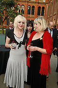 Ruby Jones, Kat Jones and Anna Jones, The Biba Ball in aid of CLIC Sargent. Victoria & Albert Museum, London. 11 May 2006.ONE TIME USE ONLY - DO NOT ARCHIVE  © Copyright Photograph by Dafydd Jones 66 Stockwell Park Rd. London SW9 0DA Tel 020 7733 0108 www.dafjones.com
