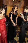 Andie Maccdowell. The 2005 Crillon Debutante Ball. Crillon Hotel, Paris. 26  November 2005. ONE TIME USE ONLY - DO NOT ARCHIVE  © Copyright Photograph by Dafydd Jones 66 Stockwell Park Rd. London SW9 0DA Tel 020 7733 0108 www.dafjones.com