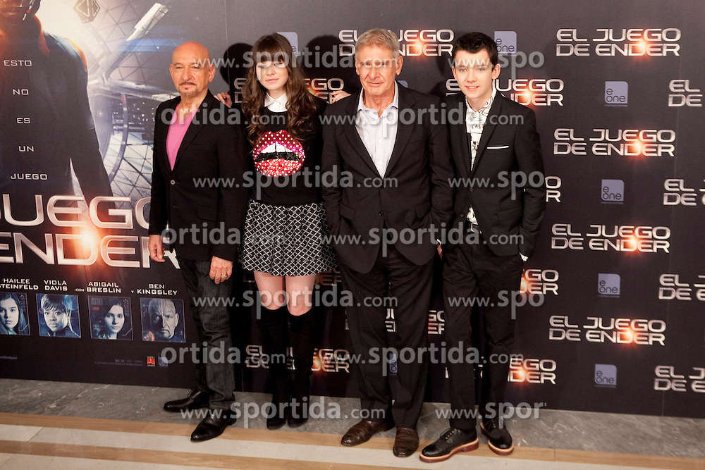03.10.2013, Villa Magna Hotel, Madrid, ESP, Enders Game Photocall, im Bild US actor Ben Kingsley (L), actress Hailee Steinfeld, Harrison Ford and Asa Butterfield (R) pose // during a photocall for the film Ender's Game, Villa Magna Hotel, Madrid, Spain on 2013/10/03. EXPA Pictures &copy; 2013, PhotoCredit: EXPA/ Alterphotos/ Ricky Blanco<br /> <br /> ***** ATTENTION - OUT OF ESP and SUI *****