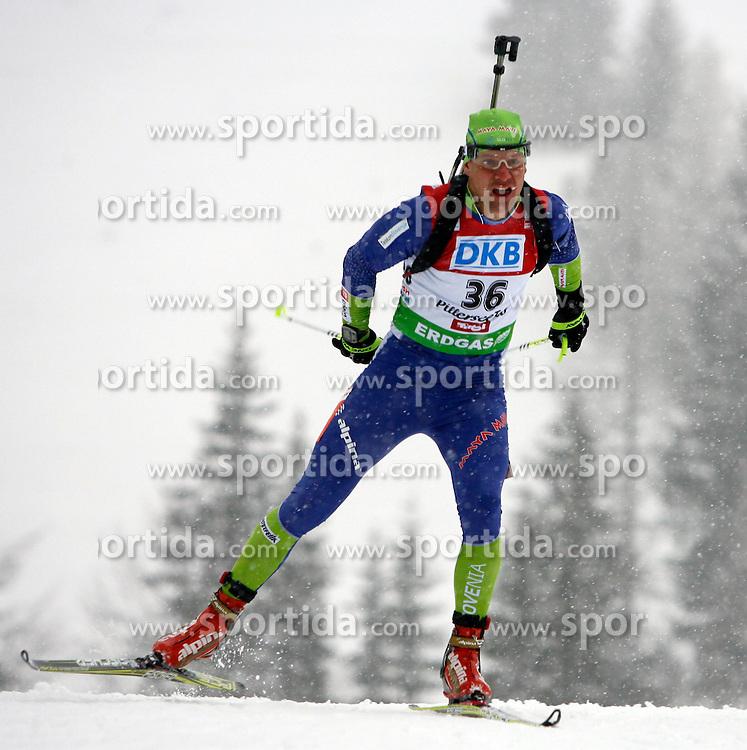 15.12.2011, Biathlonzentrum, Hochfilzen, AUT, E.ON IBU Weltcup, 3. Biathlon, Hochfilzen, Sprint Maenner, im Bild Janez Maric (SLO) // during Sprint men E.ON IBU World Cup 3th Biathlon, Hochfilzen, Austria on 2011/12/15. EXPA Pictures © 2011, PhotoCredit: EXPA/ Oskar Hoeher