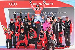 26.10.2019, Kandahar, Garmisch, GER, FIS Weltcup Ski Alpin, Abfahrt, Herren, Siegerehrung, im Bild Thomas Dressen (GER) Sieger mit Team // Thomas Dressen of Germany winner and Team during the winner ceremony for the men's downhill of FIS Ski Alpine World Cup at the Kandahar in Garmisch, Germany on 2019/10/26. EXPA Pictures © 2020, PhotoCredit: EXPA/ Erich Spiess