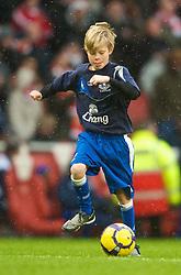 LONDON, ENGLAND - Saturday, January 9, 2010: Everton's mascot before the Premiership match against Arsenal at the Emirates Stadium. (Photo by David Rawcliffe/Propaganda)