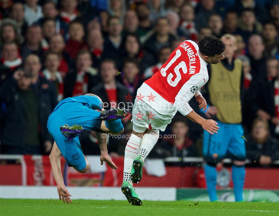 ae920b65a European Football - UEFA Champions League - Round of 16 1st Leg - Arsenal  FC v FC Barcelona