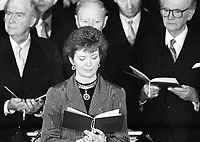 President-Elect Mary Robinson takes the Oath of Office in St Patrick's Hall, Dublin Castle, 03/12/1990 (Part of the Independent Newspapers Ireland/NLI Collection).