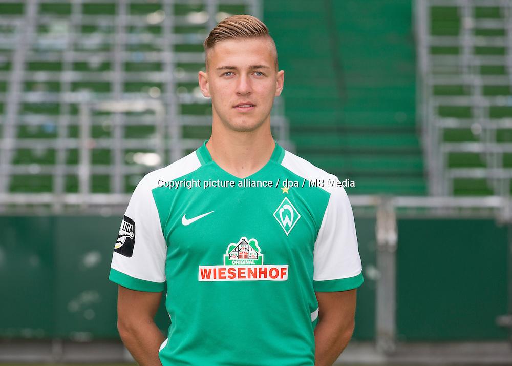 Fußball 3. Liga: Fototermin Werder Bremen U23 für die Saison 2015/2016 am 10.07.2015 im Weserstadion in Bremen, Martin Kobylanski Foto: Jörg Sarbach/dpa