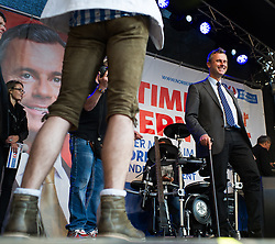 20.05.2016, Viktor-Adler-Markt, Wien, AUT, FPÖ, Wahlkampfabschluss anlässlich der Stichwahl der Präsidentschaftswahl 2016, im Bild FPÖ-Präsidentschaftskandidat Norbert Hofer // Candidate for Presidential Elections Norbert Hofer during campaign final of the austrian freedom party according to the austrian presidential elections in Vienna, Austria on 2016/05/20, EXPA Pictures © 2016, PhotoCredit: EXPA/ Michael Gruber