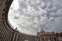 Rome - 2013 - Piazza San Pietro - Colonnato
