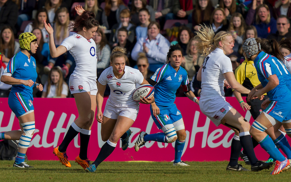 Kay Wilson in action, England Women v Italy Women in Women's 6 Nations Match at Twickenham Stoop, Twickenham, England, on 15th February 2015. Final score 39-7.