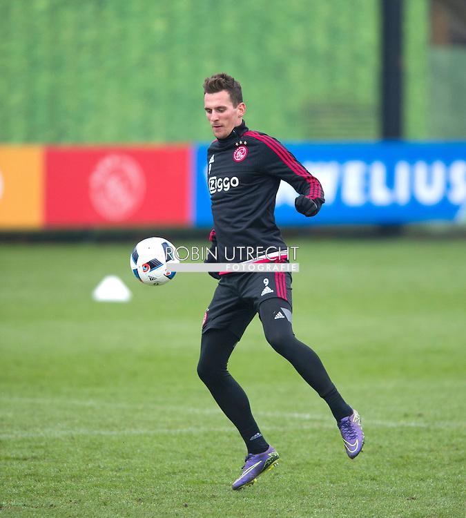 26-02-2016 VOETBAL: TRAINING AJAX: AMSTERDAM Arek Milik (Ajax)   copyright robin utrecht