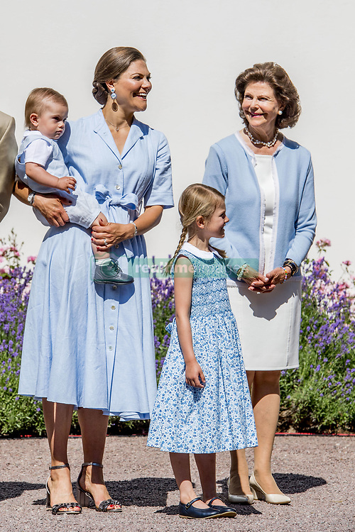 Quen Silvia, Crown Princess Victoria with children Princess Estelle, Prince Oscar during the traditionally celebration of Crown Princess Victoria's birthday at the royal family's summer residence, Solliden Palace in Borgholm, Öland, Sweden, on July 15, 2017, a day later Stockholm celebration. Photo by Robin Utrecht/ABACAPRESS.COM