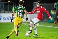 ALKMAAR - 04-12-2015, AZ - ADO Den Haag, AFAS Stadion, 0-1, ADO Den Haag speler Edouard Duplan, AZ speler Rajko Brezancic.