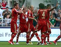 Fussball 1. Bundesliga :  Saison   2012/2013   1. Spieltag  25.08.2012 SpVgg Greuther Fuerth - FC Bayern Muenchen Jubel nach dem Tor zum 0:2  Mario Mandzukic , Philipp Lahm, Arjen Robben, Dante  (v. li., FC Bayern Muenchen)