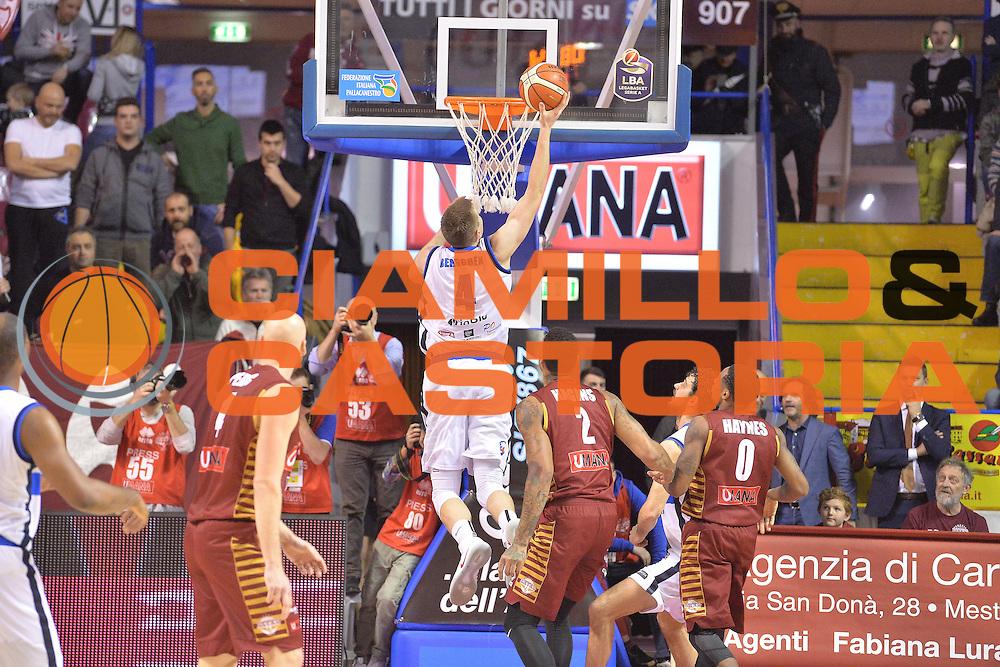Jared Berggren<br /> Umana Reyer Venezia - Germani Basket Brescia<br /> Lega Basket Serie A 2016/2017<br /> Venezia 18/12/2016<br /> Foto Ciamillo-Castoria