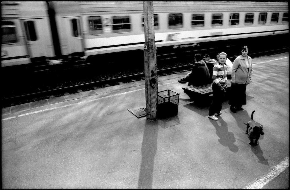 TO JEST KOD / ESE ES EL CODIGO.Photography by Aaron Sosa.Polonia 2008.(Copyright © Aaron Sosa)
