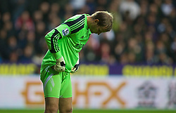27.10.2013, Liberty Stadion, Swansea, ENG, Premier League, Swansea City vs West Ham United, 09. Runde, im Bild West Ham United's Jussi Jaaskelainen // during the English Premier League 09th round match between Swansea City AFC and West Ham United at the Liberty Stadion in Swansea, Great Britain on 2013/10/27. EXPA Pictures © 2013, PhotoCredit: EXPA/ Propagandaphoto/ David Rawcliffe<br /> <br /> *****ATTENTION - OUT of ENG, GBR*****