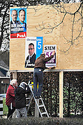 Nederland, Nijmegen, 7-2-2011Verkiezingsbord met affiches voor de komende verkiezingen voor de provinciale staten..Netherlands, election board with posters for the forthcoming elections.Foto: Flip Franssen/Hollandse Hoogte