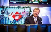 Koning brengt werkbezoek aan Radiohuis van NPO