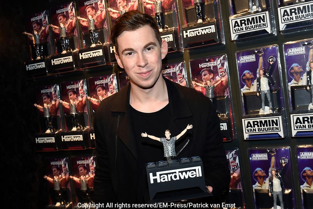DJ's Armin van Buuren en Hardwell vereeuwigd als action figure // DJs Armin van Buuren and Hardwell as action figure<br /> <br /> Op de foto / On the photo:  DJ Hardwell ( obbert van de Corput )