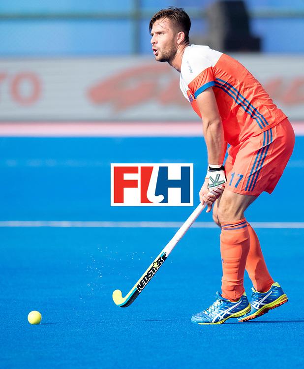 Odisha Men's Hockey World League Final Bhubaneswar 2017<br /> Match id:04<br /> Netherlands vs Spain<br /> Foto: Martijn Havenga (Ned) haalt uit.<br /> WORLDSPORTPICS COPYRIGHT FRANK UIJLENBROEK