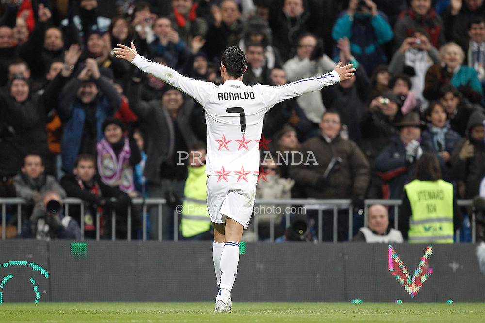 04.12.2010, Estadio Santiago Bernabéu, Madrid, ESP, Primera Division, CA Osasuna vs FC Barcelona, im Bild Real Madrid's Cristiano Ronaldo goal and Valencia's during la liga match on december 4th 2010. EXPA Pictures © 2010, PhotoCredit: EXPA/ Alterphotos/ Cesar Cebolla +++++ ATTENTION - OUT OF SPAIN / ESP +++++