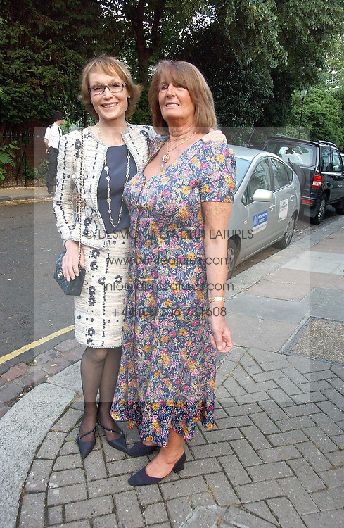 Left to right, LADY VICTORIA GETTY and LADY ANNABEL GOLDSMITH at Sir David & Lady Carina Frost's annual summer party held in Carlyle Square, Chelsea, London on 5th July 2006.<br /><br />NON EXCLUSIVE - WORLD RIGHTS